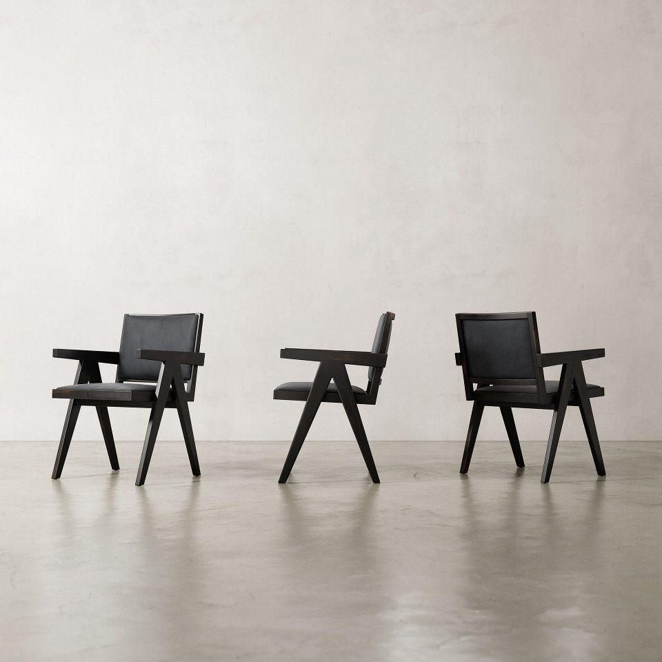 Jeanneret-Armchair-Nubuck-Black-5